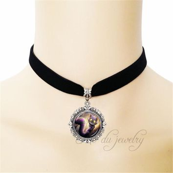 NEW Fashion Vintage Style Alice in Wonderland Cheshire Cat Glass Dome Art Photo Black Ribbon Pendant Choker Necklace Jewelry