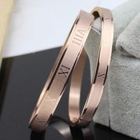 (1 Pair)New Fashion Jewelry Roman Numerals Rose Gold Plated Stainless Steel Couples/Womens/Mens Cuff Bracelets Bangles Wristband Best Gift for Lover!