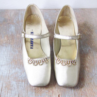 metallic gold heels / vintage gold pumps with rhinestones / gold strappy heels / size 7.5 shoes