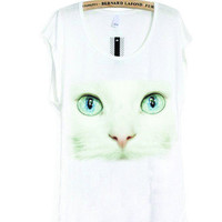 Kyle Lang Photography-White Cat Face Close Up-the Tee | hudiefly