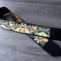 Handmade Camera Strap. Padded Camera Strap. Flowers Camera Strap. Gifts For Her. Camera  Accessories