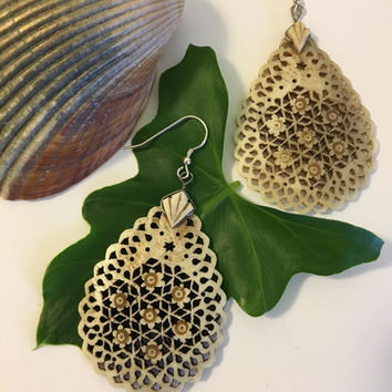 Carved Bone Teardrop Earrings Vintage Handmade Ox Bone Earrings With Floral Design and Lacy Cutouts Beige Filigree Jewelry Made In India