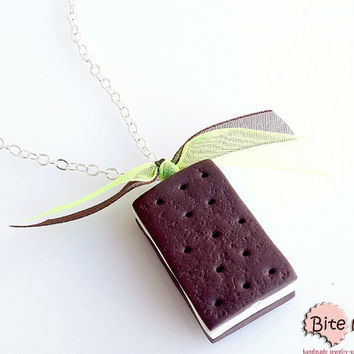 Biscuit Vanilla Sandwich Ice Cream Necklace, Ice Cream Pendant, Summer Jewelry, Polymer Clay Food, Foodie gift, Faux Food Jewelry