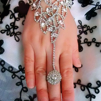 Wedding Crystal Hand Harness Finger Cuff Bracelet