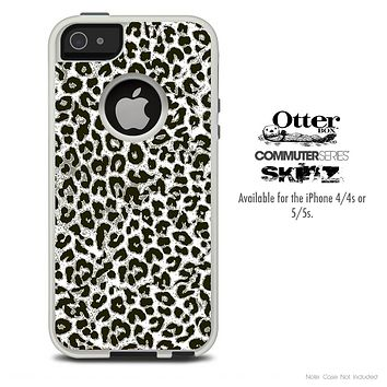 The Black & White Leopard V5 Skin For The iPhone 4-4s or 5-5s Otterbox Commuter Case