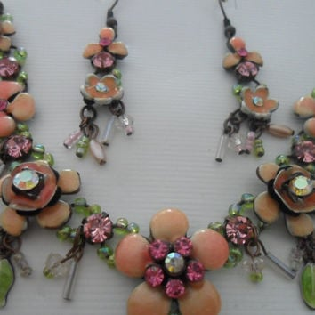 BOHEMIAN Vintage Molded Purple Lilac Plastic and Lavender Rhinestone Flower Necklace & Earrings Set
