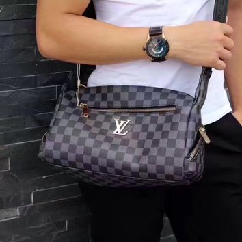 LV Louis Vuitton MEN'S MONOGRAM ECLIPSE CANVAS EXPLORER CROSS BODY BAG