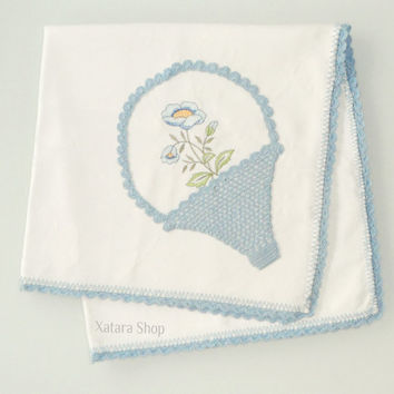 Cotton tablecloth embroidered and crocheted with a flower. handmade