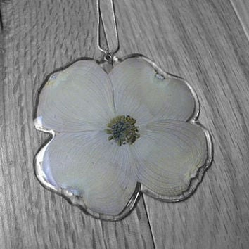 Dogwood Resin Flower Necklace