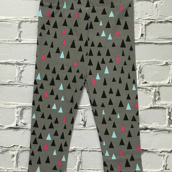 Black & Pink Triangle Leggings - Infant & Toddler