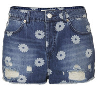 MOTO Daisy Ripped Hotpants - Shorts - Clothing - Topshop