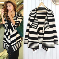 BLACK AND WHITE GRAIN CARDIGAN from PSILoveYouMore2