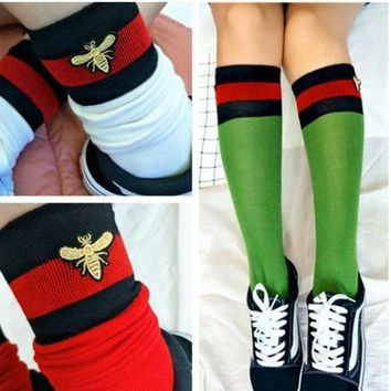 ONETOW ' Gucci '' Fashion Striped Bee Embroidery Socks Stockings