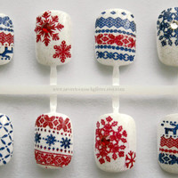 Holiday Sweater Nails- Christmas/Winter Holiday Fair Isle Nordic Sweater Kawaii Fake Nails