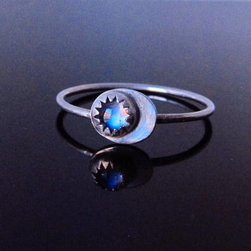 Silver Moon Moonstone Ring-Crescent Moon Ring-Moonstone Jewelry-Blue Moon Gift-June Birthstone Jewelry-Best Friend Ring-Moonstone Moon Ring