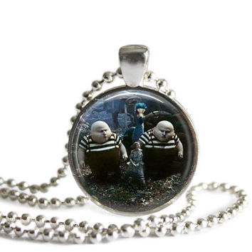 Alice In Wonderland Tweedle Dee and Tweedle Dum Necklace