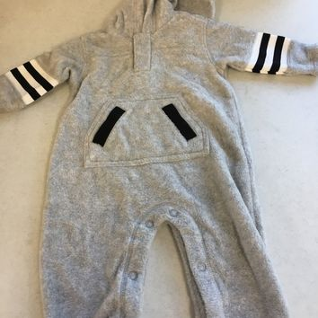 BRAND NEW INFANT FLEECE FOOTBALL GREY OUTFIT SHIPPING
