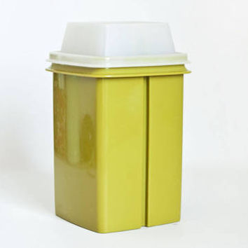 Vintage Green Tupperware Pickle Keeper, Pick-a-Deli Container for Pickles Olives Peppers, Tupper ware Storage Container