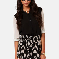 A Pair to Remember Black and Cream Print Shorts
