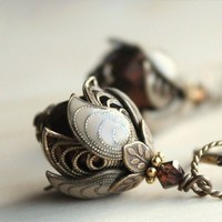 BELLA WARMTHBrass filigree resin vintage inspired by AmberSky