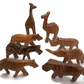 Vintage Miniature Hand Carved Wooden Safari Zoo Animal Figurines Wood Primitive Lion Leopard Cheetah Giraffe Camel Rhino Zebra Elephant