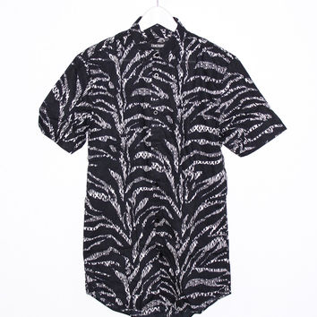Ikat Shortsleeve Shirt in Black