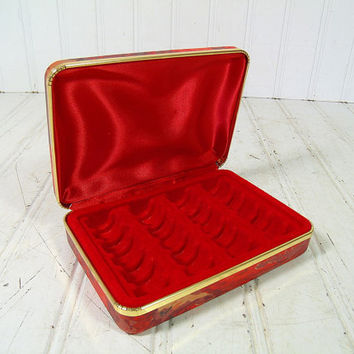 Vintage Hard Shell Travel Jewelry Case - Retro Red Rings Clam Shell Holder in Psychedelic Pattern Colors - Rings Display for 2 Dozen Pieces