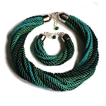 EMERALD green cord NECKLACE - statement necklace  - rope necklace - colier - paracord necklace - cord - satin cord necklace - twisted cord