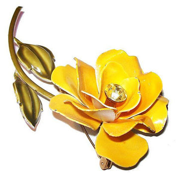 Weiss Yellow Flower Brooch Signed Rhinestones & Enamel Gold Metal BIG 3 in Vintage