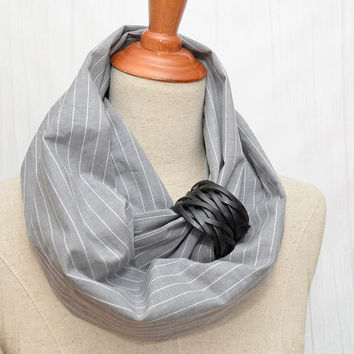 Unisex Cotton Infinity Scarf. Chunky Scarf. Natural Cotton. Light striped Gray. Black leather cuff.