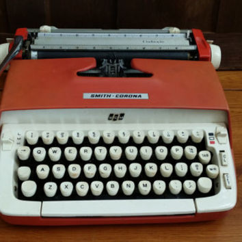 Vintage Working Smith Corona Galaxie Typewriter Portable Compact Travel Typewriter With Case Great Mid Century Decor
