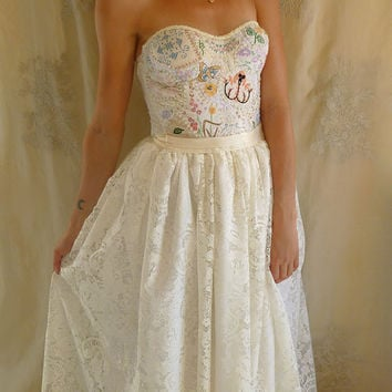 Meadow Bustier Wedding Gown... dress boho from jadadreaming on