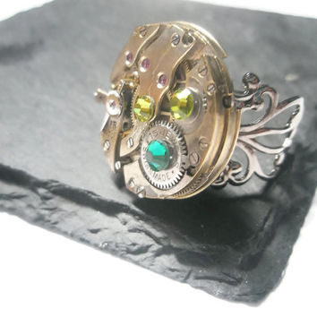 Steampunk Ring Steam Punk Jewellery Vintage Watch Ring Emerald Green Olivine Swarovski Brass clockwork copper filigree adjustable