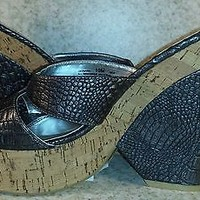 Chinese Laundry Faux Croc animal print Wedge platform heels sandals sz 10 Gray