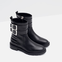 FLAT LEATHER BIKER ANKLE BOOTS