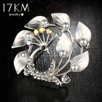 17KM Vintage Simulated Pearl Female Peacock Brooch Beautiful Animal Crystal Brooches Pins Fashion Wedding Jewelry