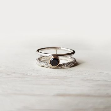 Modern double silver ring with black stone Cubic Zirconia | Rough texture ring with stone size 6.5 | Rustic silver OOAK ring gold bezel set