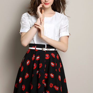 Black and White Short Sleeve Pleated Dress with Red Lips Print