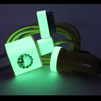 3in1 Yellow Hello Kitty Glow in the Dark iPhone Charger (For iPhone 4/4s)