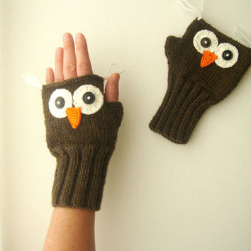 Owl Hand Knit / Fingerless Gloves in Brown/ Mitten Fingerles  / Winter Fashion 2012- 2013 / Size  S - M