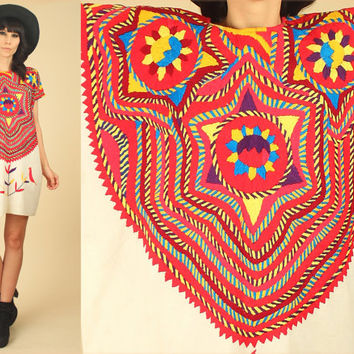 ViNtAgE 1940s Handwoven Guatemalan Huipil // Mayan Poncho Tribal Maya Caftan //Mini Dress Tunic Cotton Colorful Artisan Hippie Festival 40's