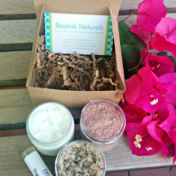SALE Mother's Day Gift Set, Orgainc Spa Gift Set, Organic Bath and Body Set, Spa Gift Box, Bath Salts, Whipped Body Butter, Lip Balm, Honey