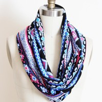 Geometric Tribal Infinity Scarf Cir.. on Luulla