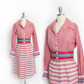 Vintage 1960s Dress  Gingham Cotton & Lace Striped Red White Shirtwaist Day dress - Large