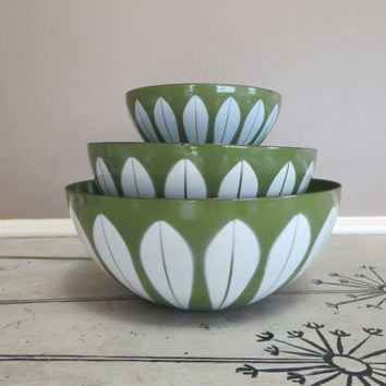 Set of 3 Cathrineholm Bowls Mid Century Lotus Bowls Green and White Enamel Bowls Enamelware Modern Enamel Danish Modern Design Swedish