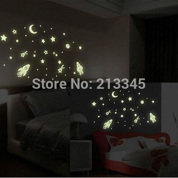 [Fundecor Monopoly] glow in the dark wall sticker Cosmic Star Spaceship cartoon DIY kid's room decoration home decals luminous
