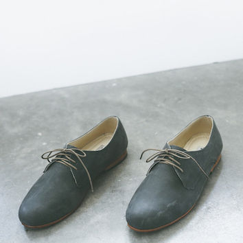 Nisolo - Oliver Oxford in Slate Grey