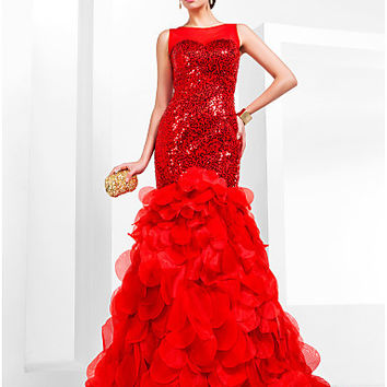 Trumpet/Mermaid Bateau Court Train Sequined And Organza Evening/Prom Dress