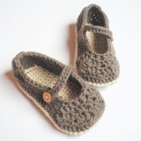 Mary Jane Crochet Slipper Shoes for Toddler Girls in Brown and Cream with Non Slip Soles, size 12-36 months, MADE TO ORDER.