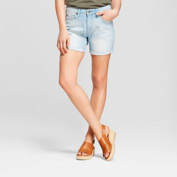 Women's Mid-Rise Boyfriend Jean Shorts - Universal Thread™ Light Wash